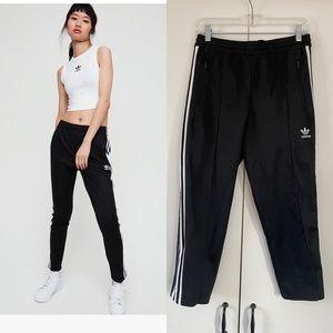 Aritzia adidas cropped skinny 3 stripe track pant